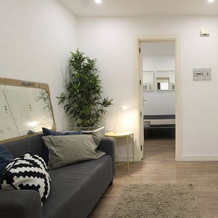 Rent this 1 bed apartment on Parquímetro in Calle de San Vicente Ferrer, 28001 Madrid