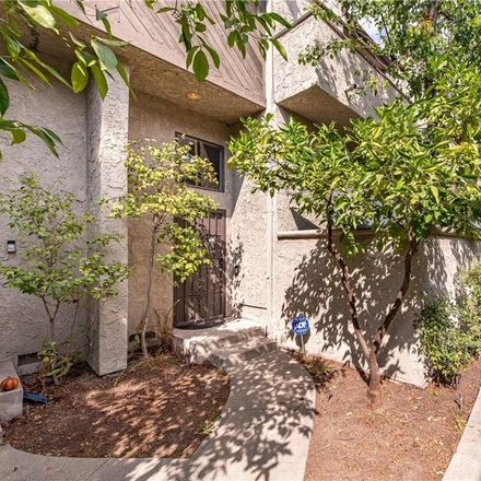 Rent this 2 bed condo on Moorpark Street in Los Angeles, CA 91604