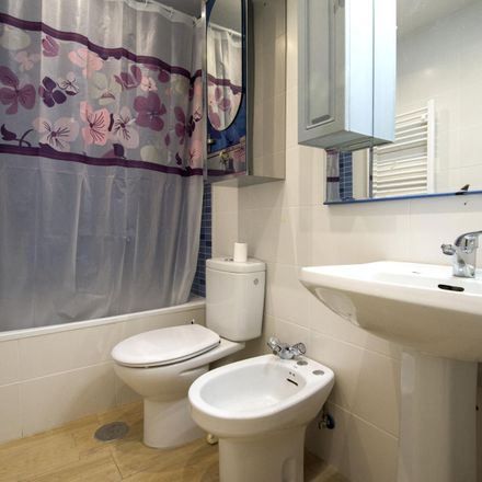 Rent this 6 bed room on Plaza de Juan XXIII in 8, 28804 Alcalá de Henares