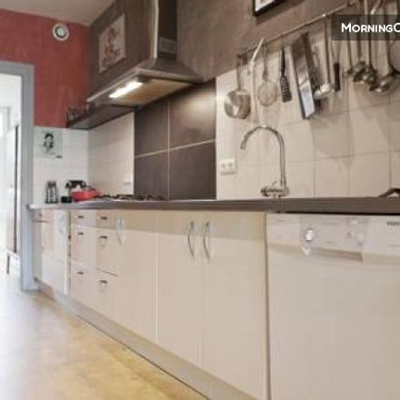 Rent this 2 bed house on 11 Rue Pages in 33000 Bordeaux, France