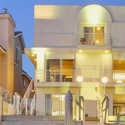 Rent this 4 bed house on Green Turtle Rd in Coronado, CA
