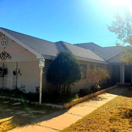 Rent this 5 bed house on 2801 Cimmaron Avenue in Midland, TX 79705