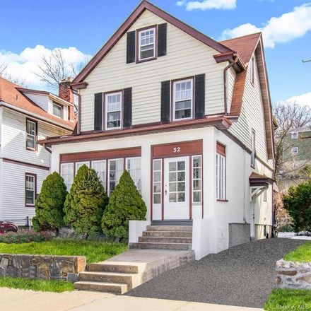 Rent this 4 bed house on 32 Lake Avenue in Town of Eastchester, NY 10707