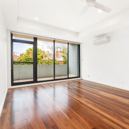 Rent this 2 bed apartment on 1A Eden  Street