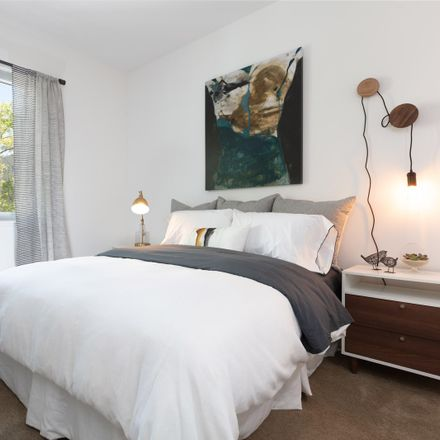 Rent this 2 bed apartment on Greater Faith MBC in 23rd Street, Oakland
