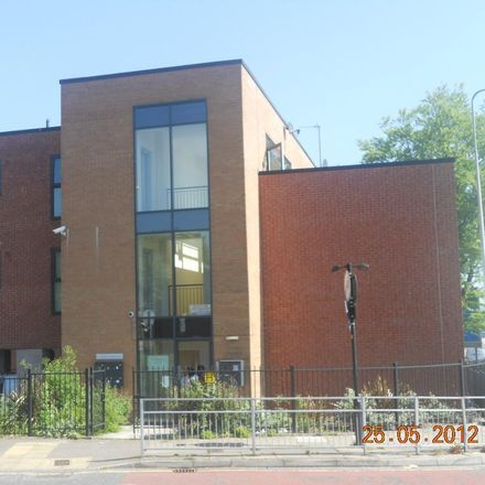 Rent this 1 bed apartment on Broadway in Oldham OL9 9PY, United Kingdom