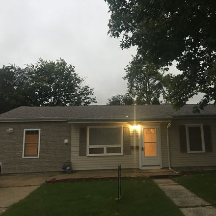 Rent this 3 bed house on 610 Iola Avenue in Romeoville, IL 60446
