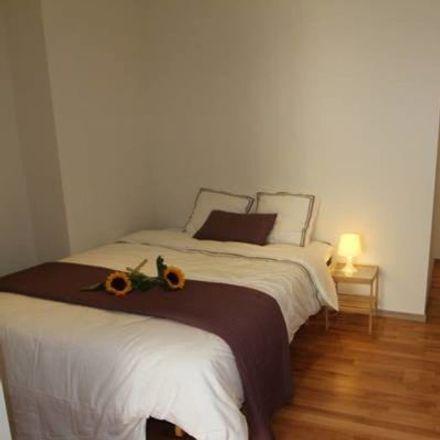 Rent this 1 bed apartment on Rue des Deux Tours - Tweetorenstraat 66 in 1210 Saint-Josse-ten-Noode - Sint-Joost-ten-Node, Belgium