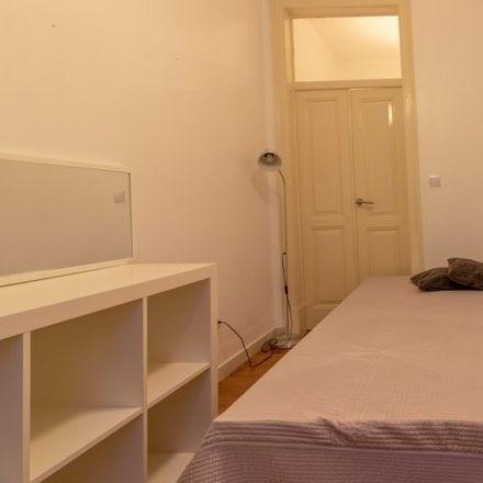 Rent this 3 bed room on Rua de Rafael de Andrade in 1150-000 Lisbon, Portugal