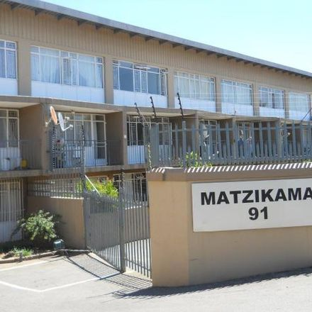Rent this 2 bed apartment on Bram Fischer Drive in Robindale, Johannesburg