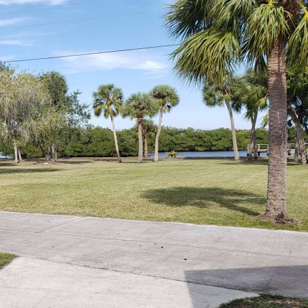 Rent this 2 bed house on Primrose Ln in Webster, FL