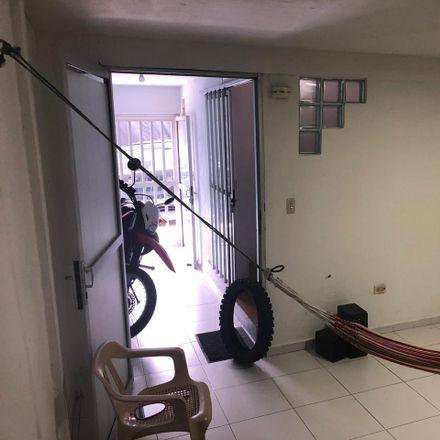 Rent this 3 bed apartment on Pand y repostería el maná in Calle 30, Dique