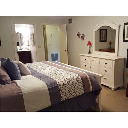Rent this 2 bed condo on Seagull Dr in Bradenton, FL