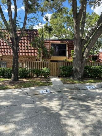 Rent this 2 bed townhouse on 2610 13th Court in Palm Harbor, FL 34684