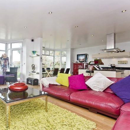 Rent this 3 bed apartment on Woodland Avenue in Holdenhurst BH5 2DJ, United Kingdom
