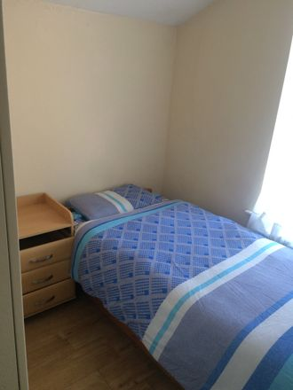 Rent this 5 bed room on Guru Amardass Hall in Adelaide Road, London UB2 5PX