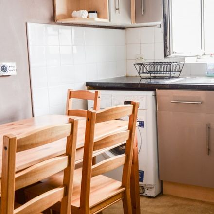 Rent this 4 bed apartment on Cyril Jackson Primary School (South Building) in Limehouse Causeway, London E14 8BN