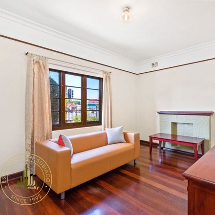 Rent this 1 bed apartment on 3/819 Beaufort Street