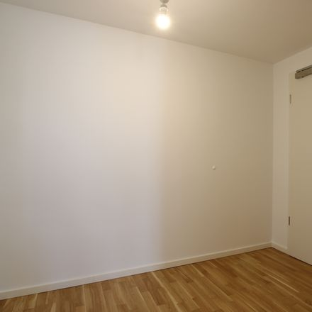 Rent this 4 bed apartment on Lutterbacher Straße 15 in 14167 Berlin, Germany
