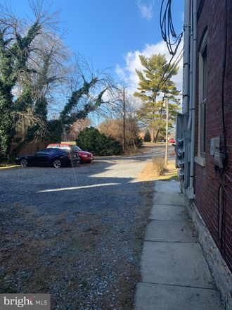 Rent this 2 bed apartment on 711 Oak Hill Avenue in Hagerstown, MD 21740