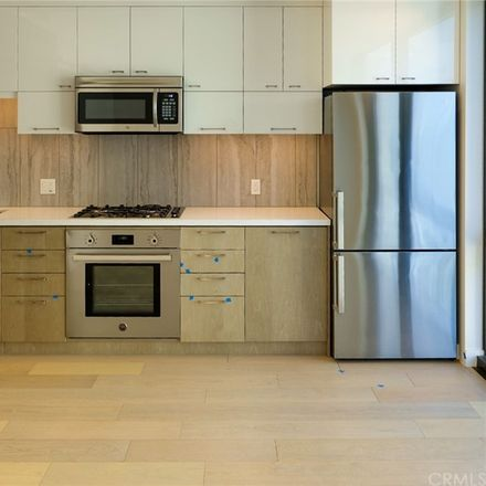Rent this 1 bed condo on Perla in 400 South Broadway, Los Angeles