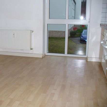 Rent this 2 bed apartment on Gewerbegebiet Am Lungwitzbach in Dresdener Straße 6, 08371 Glauchau