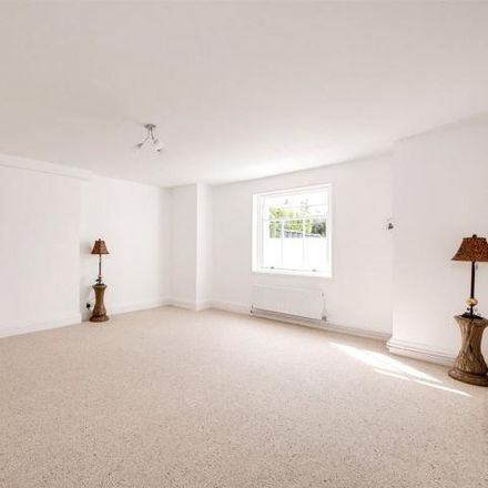 Rent this 4 bed apartment on Crescent Road in Gosport PO12 2JT, United Kingdom