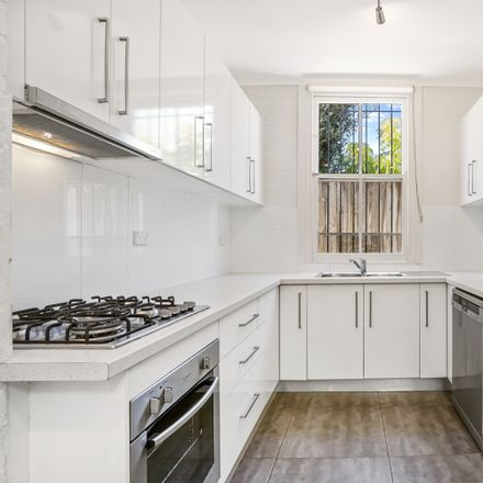 Rent this 3 bed house on 71 Albion Street