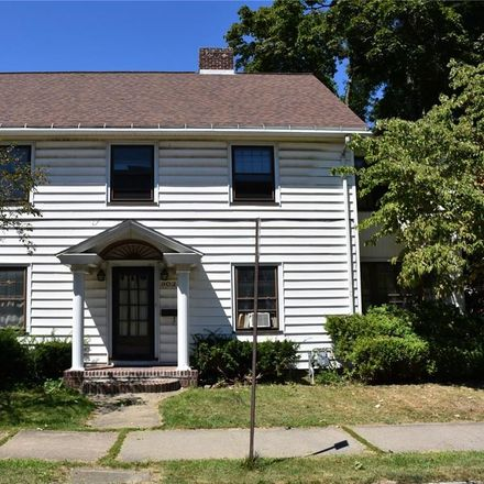 Rent this 4 bed duplex on 902 Liberty Street in Meadville, PA 16335