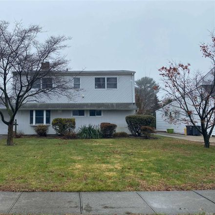 Rent this 5 bed house on 8 Thimble Lane in Levittown, NY 11801