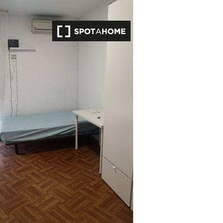 Rent this 2 bed room on Calle de Encarnación del Pino in 28001 Madrid, Spain