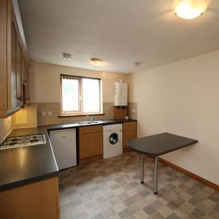 Rent this 2 bed apartment on Glenwood Motor Company in Junction Road, Kirkcaldy