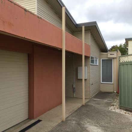 Rent this 3 bed house on 308A Drummond Street North