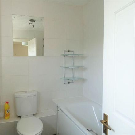 Rent this 2 bed house on Barton Drive in Eastleigh SO31 4RG, United Kingdom