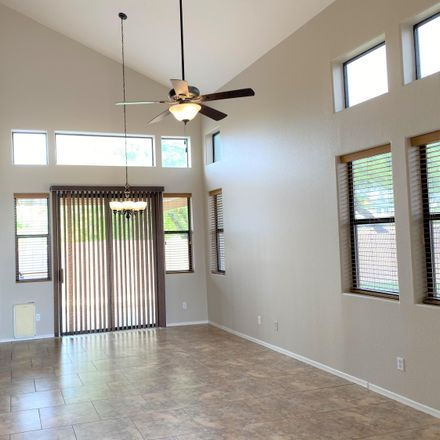 Rent this 3 bed house on 1425 South Lindsay Road in Mesa, AZ 85204