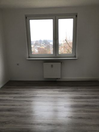 Rent this 3 bed apartment on Geschwister-Scholl-Straße 44 in 01917 Kamenz - Kamjenc, Germany