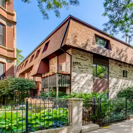 Rent this 3 bed condo on 858-860 West Lakeside Place in Chicago, IL 60640