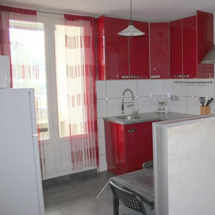 Rent this 2 bed room on Portail rouge in 14 Rue Alphonse Allais, 38400 Saint-Martin-d'Hères