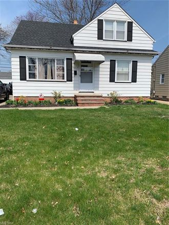 Rent this 3 bed house on Northwood Ave in Maple Heights, OH