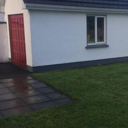 Rent this 5 bed house on Chestnut Grove in Curragh, County Mayo