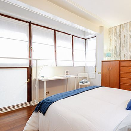 Rent this 4 bed room on Iturribide Kalea in 103, 48006 Bilbo