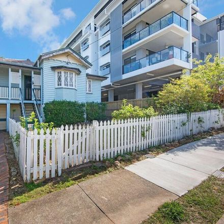 Rent this 4 bed house on 39 Florrie Street
