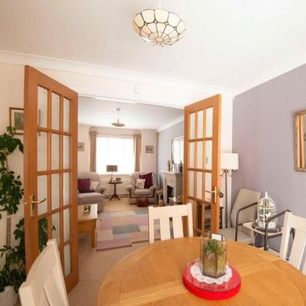 Rent this 4 bed house on Burnside View in East Kilbride G75 9FZ, United Kingdom
