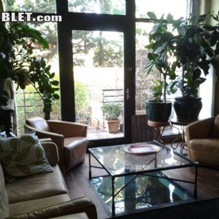 Rent this 2 bed loft on Voie d'Igny in 92140 Le Plessis-Robinson, France