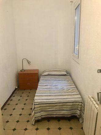 Rent this 5 bed room on Carrer de Villarroel in 116, 08011 Barcelona