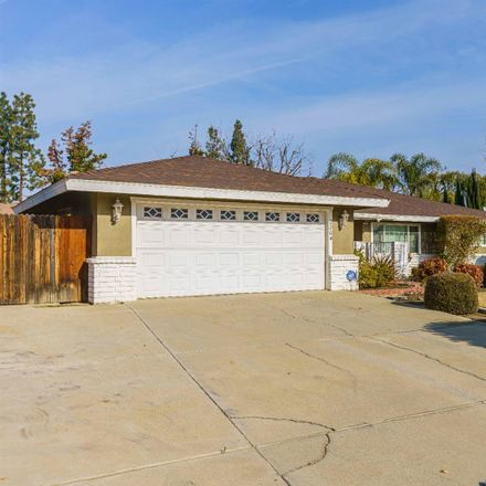 Rent this 3 bed house on 2204 Sutton Place in Bakersfield, CA 93309