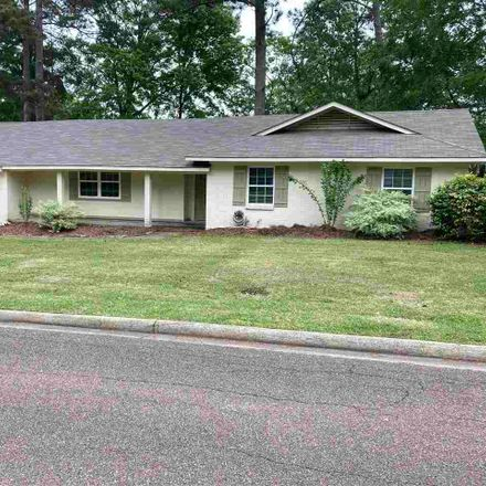 Rent this 3 bed house on Pearl Dr in Jackson, MS