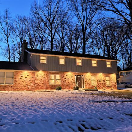 Rent this 4 bed house on 6531 North Crestwood Drive in Glendale, WI 53209