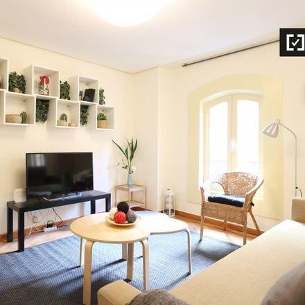 Rent this 2 bed apartment on Casa del Libro in Gran Vía, 29