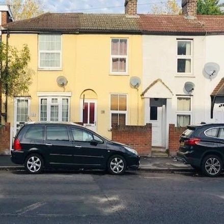 Rent this 2 bed townhouse on Rosefield Road in Staines-upon-Thames TW18 4NB, United Kingdom